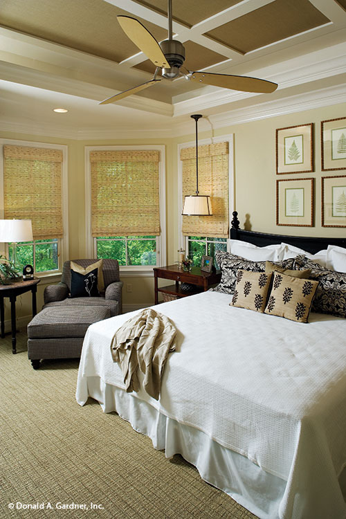 dream home plan 5024-master_bedroom-a