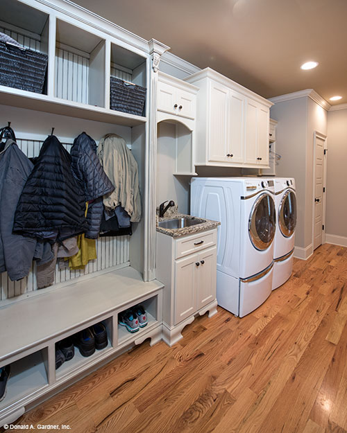 Utility room archives houseplansblog for Mudroom layout
