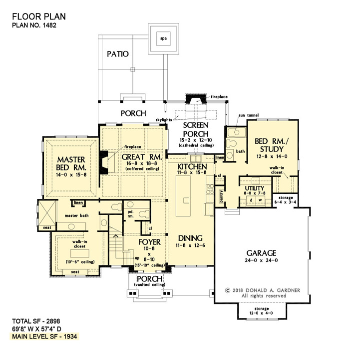 First floor of The Renfrow house plan 1482.
