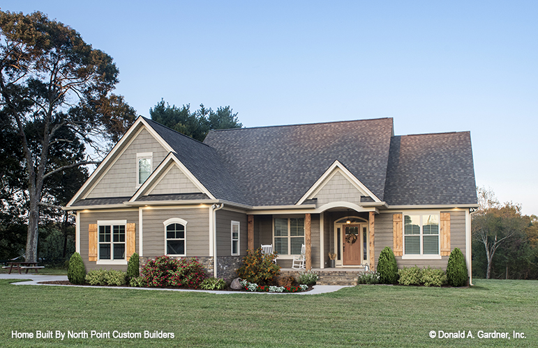 Front exterior of small house plan 757, The Tanglewood.