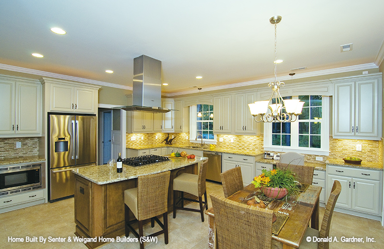 Eat-in kitchens are one of the top kitchen trends.