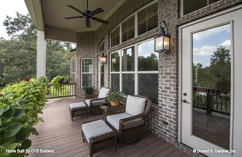 Rear porch of The Silvergate house plan 1254-D.