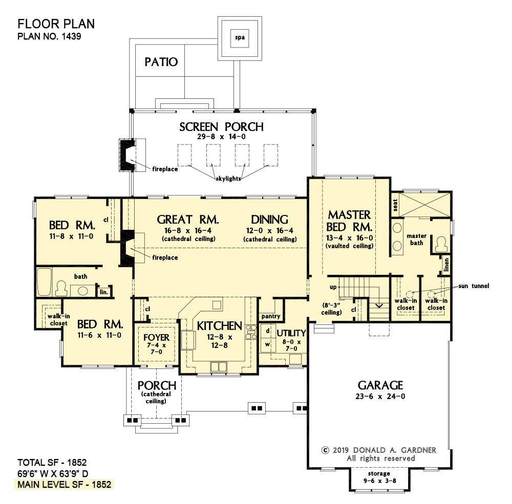 First floor of The Carden house plan 1439.