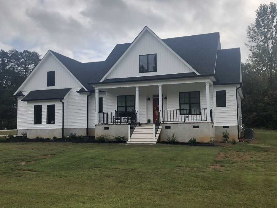 The Thomasina house plan 1497 is move-in ready.