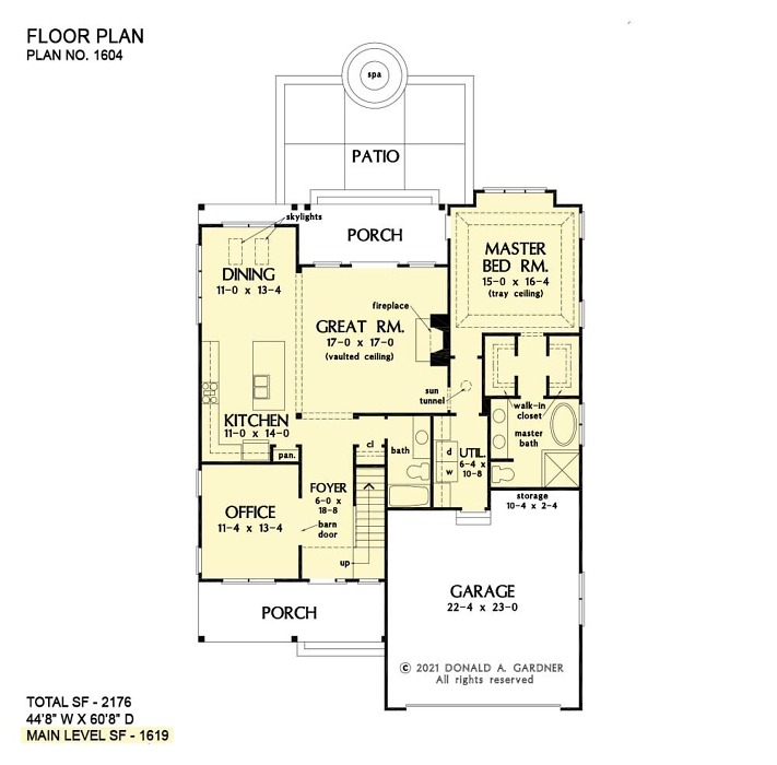 First floor of The Calvin house plan 1604.