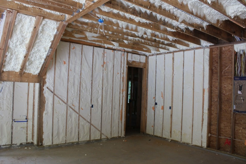 Interior insulation of The Lucy plan 1415.
