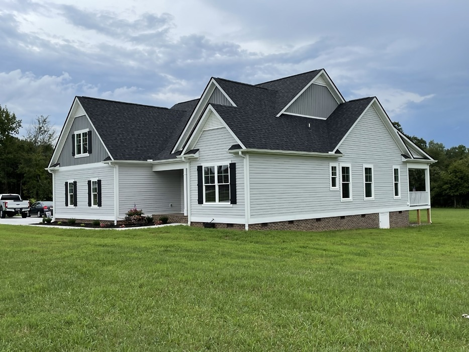 Completed photos of The Rogers house plan 1383.