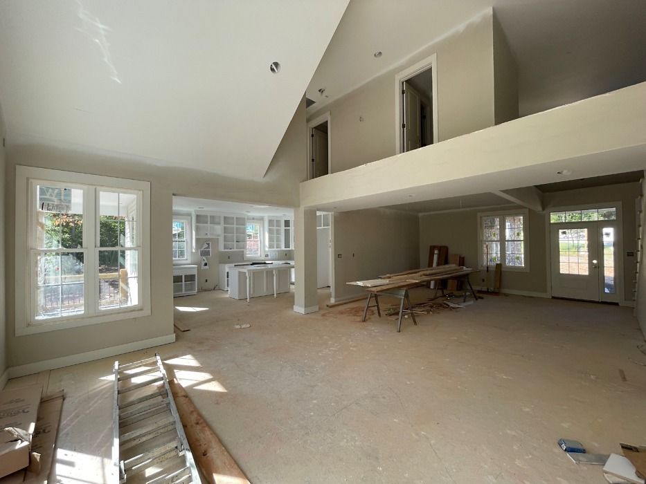 Interior finishes of The Ivy Creek house plan 921.